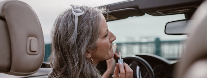 avoid and prevent distracted driving - no makeup